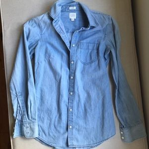 J. Crew perfect fit chambray button up - XXS